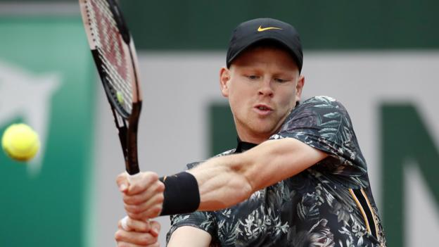 French Open: Kyle Edmund's match suspended in fifth set thumbnail