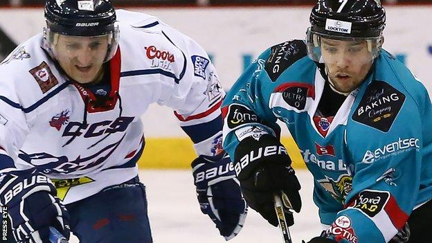 The Belfast Giants came from behind to beat the Dundee Stars