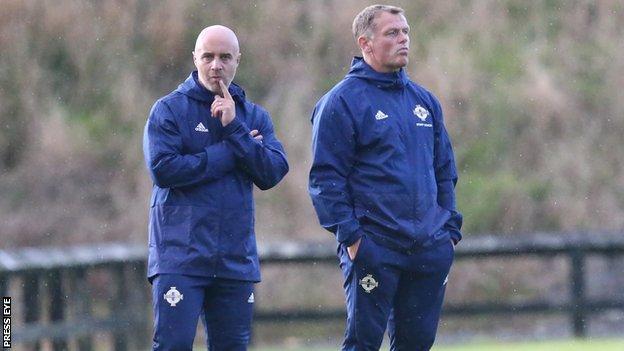 Gerard Lyttle replaces Jim Magilton