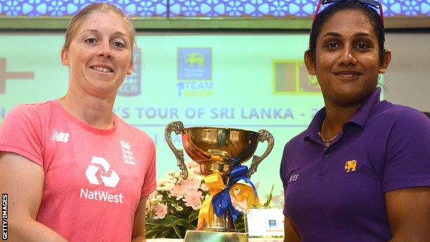 Captains Heather Knight and Chamari Atapattu with the ODI series trophy