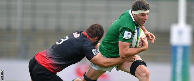 Sean O'Connor attempts to make a break
