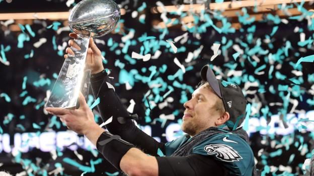 fcd05843491ed3 Super Bowl LII: Philadelphia Eagles beat New England Patriots to win title  - BBC Sport