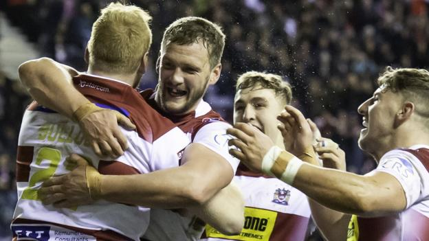 Super League: Wigan Warriors 34-16 Leeds Rhinos thumbnail