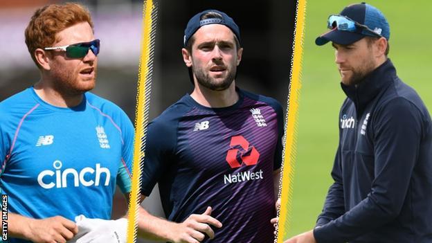 England's Jonny Bairstow, Chris Woakes and Dawid Malan