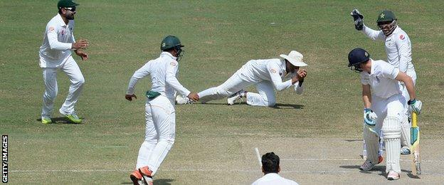 Younus Khan catches Jos Buttler