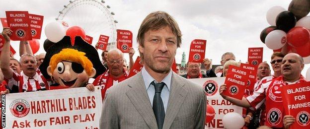 Sean Bean at a Sheffield United supporters' rally