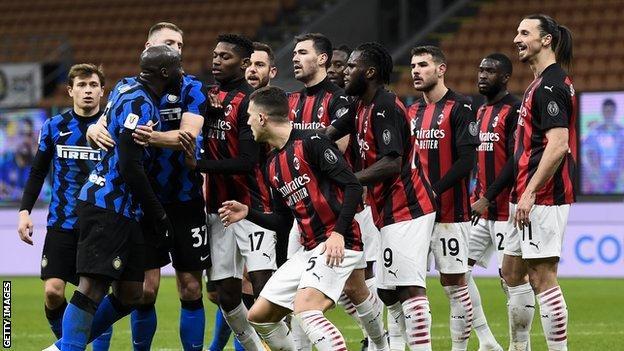 Inter Milan ve AC Milan oyuncuları, Romelu Lukaku ile Zlatan Ibrahimovic arasındaki tartışmanın ardından çatıştı