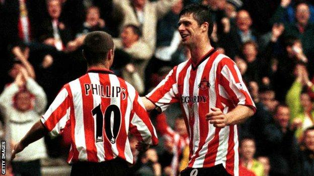 Kevin Phillips and Niall Quinn celebrate