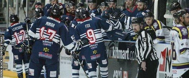 Dundee Stars players celebrate after ending a seven-game losing run on Sunday