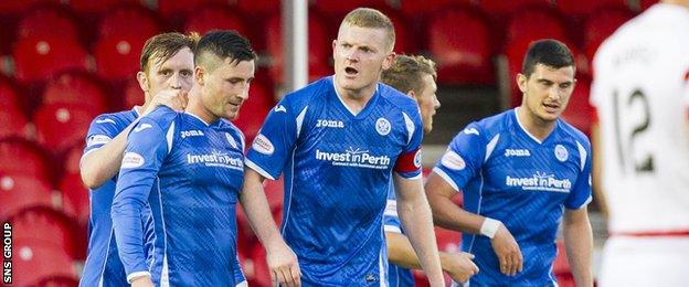 St Johnstone celebrate as Michael O'Halloran makes it 4-0 to the visitors