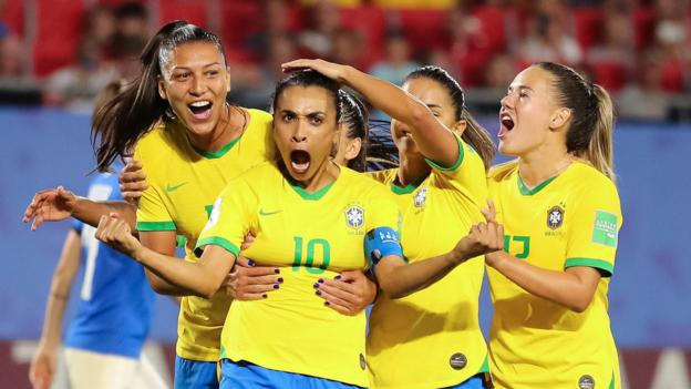 Marta becomes record scorer at World Cup finals as Brazil beat Italy to reach last 16 thumbnail