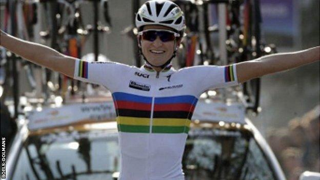 Lizzie Armistead wins her first race in the rainbow jersey
