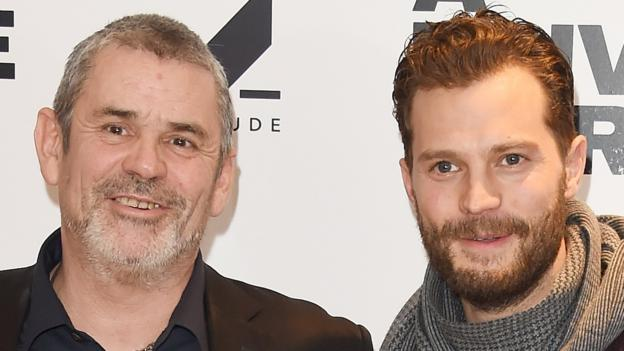 Premier League predictions: Lawro v A Private War stars Paul Conroy and Jamie Dornan thumbnail