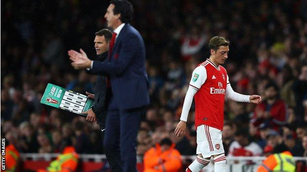 Mesut Ozil What S Happening With The Midfielder At Arsenal Bbc Sport