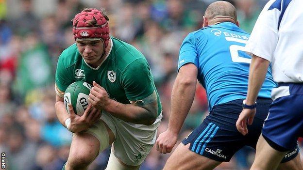 Josh van der Flier faces Italy in the Six Nations
