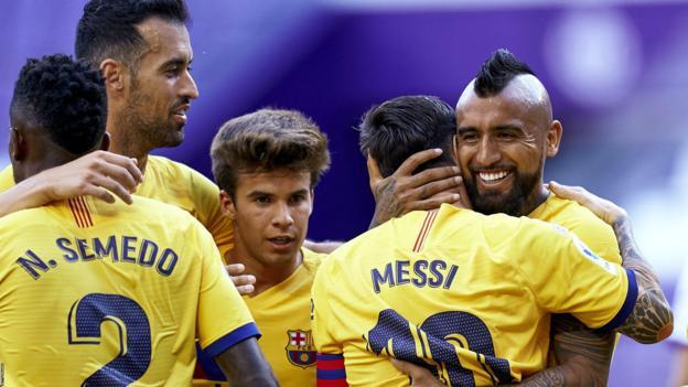 Vidal winner retains alive Barcelona title hopes thumbnail