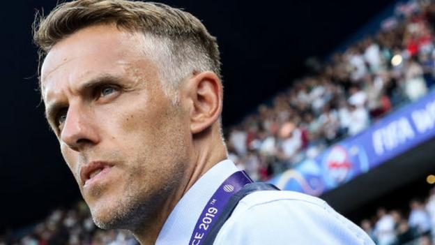 Women's World Cup 2019: England boss Phil Neville questions USA 'etiquette' thumbnail