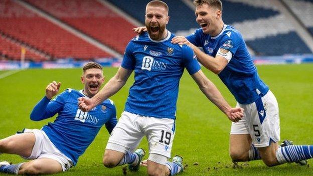 St Johnstone celebrate Shaun Rooney's gal