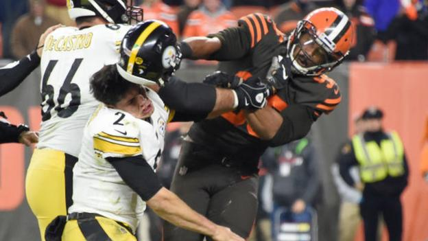 Myles Garrett: Cleveland Browns player 'suspended indefinitely' by NFL for helmet attack thumbnail