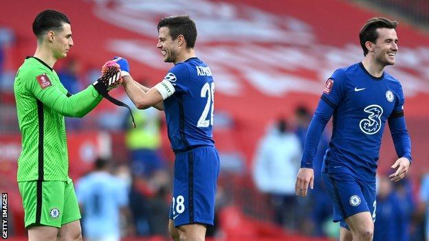 Kepa Arrizabalaga and Cesar Azpilicueta celebrate