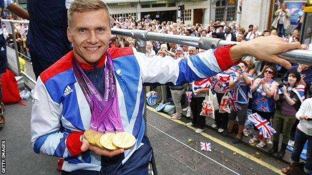 David Weir at the London 2012 victory parade
