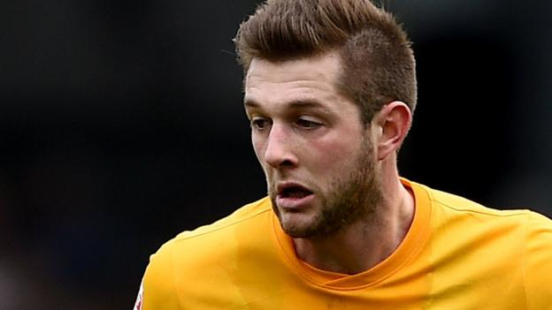 Tom Barkhuizen Morecambe Manager Unhappy At Preston