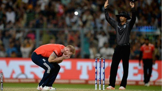 Stokes cannot believe it as Brathwaite hits another six