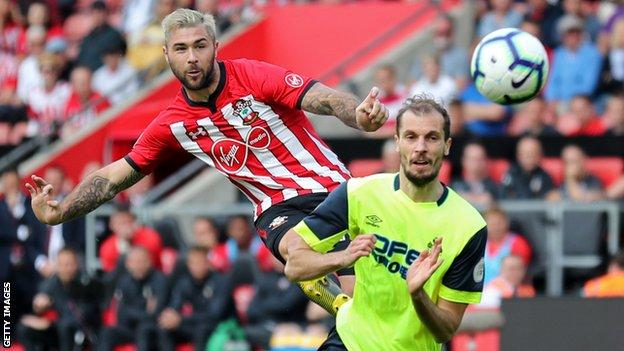 Charlie Austin in action for Southampton