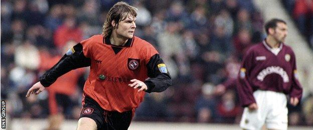 Pressley left Dundee United to join Hearts in 1998