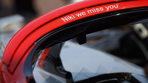 Hamilton has a tribute to Niki Lauda written on his halo device