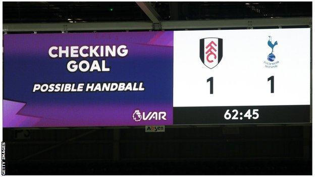 Fulham v Tottenham VAR check