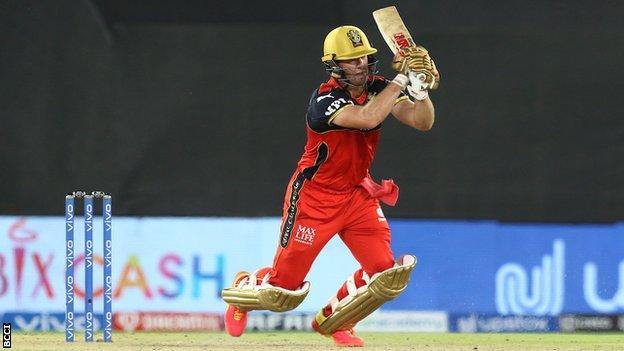 IPL: AB de Villiers stars as Royal Challengers Bangalore beat Delhi Capitals to go top thumbnail