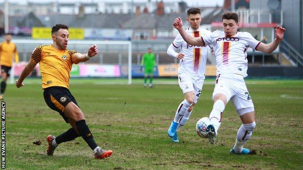 Robbie Willmott shoots for goal