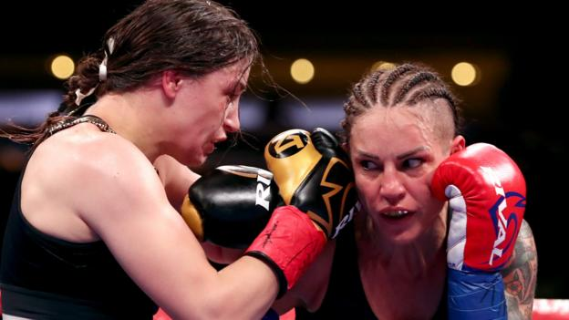 Katie Taylor beats Eva Wahlstrom to defend world titles in New York thumbnail