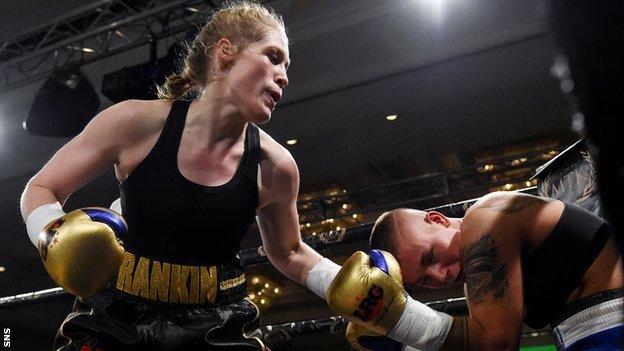 Hannah Rankin fights Klaudia Vigh