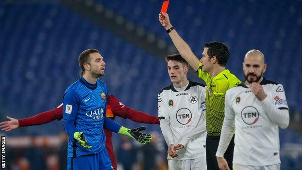 Goalkeeper Pau Lopez of AS Roma receives a red card during the Coppa Italia match between Roma and Spezia