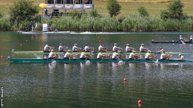 Great Britain (far side) narrowly beat Germany in the men's eight