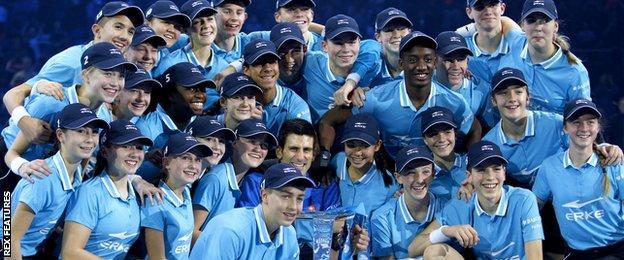 Novak Djokovic and the ballkids