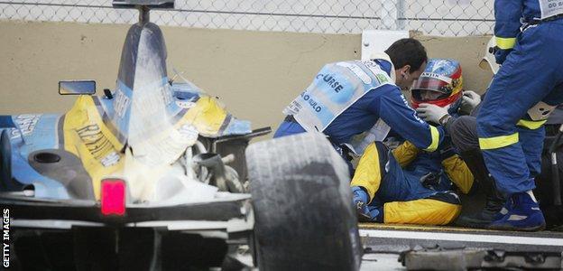 Fernando Alonso crashes during the 2003 Brazilian GP