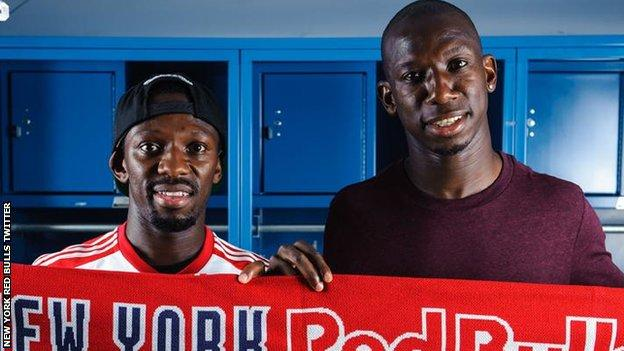 Shaun Wright-Phillips (left) and brother Bradley