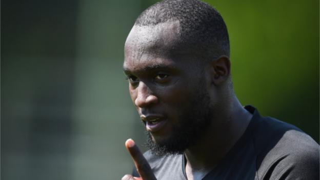Romelu Lukaku: Inter Milan striker hits back at Gary Neville thumbnail