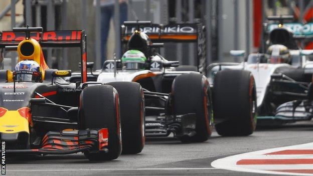 F1 teams in the pits