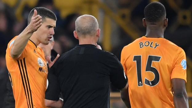 Wolverhampton Wanderers 0-0 Leicester City: VAR denies hosts chance to close on top four thumbnail