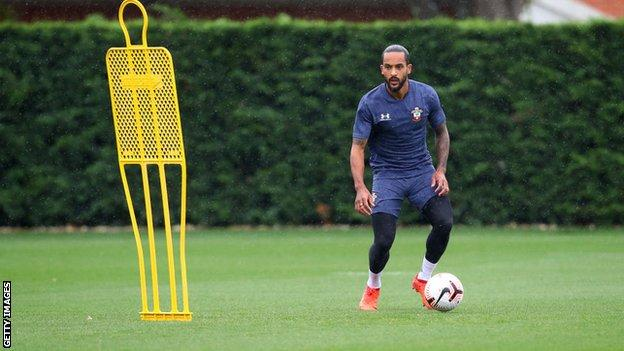 Theo Walcott pictured in training for Southampton