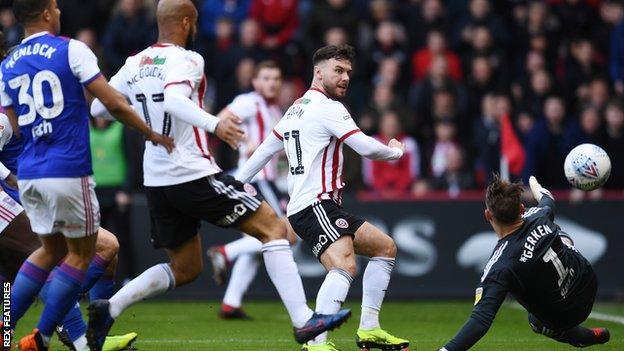 Scott Hogan scores for Sheffield United