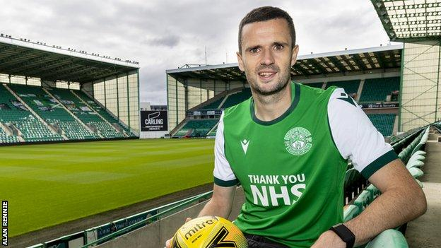 Jamie Murphy: Hibernian sign winger from Rangers - BBC Sport