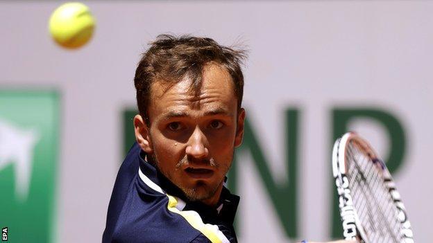 Daniel Medvedev regresa en el Abierto de Francia