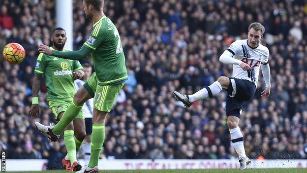 Tottenham's Christian Eriksen scores against Sunderland