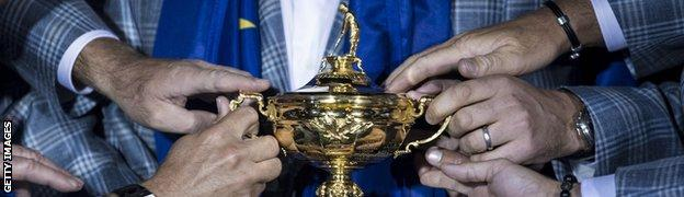 Team Europe holding the Ryder Cup