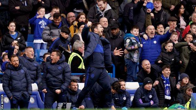 Frank Lampard celebrates Chelsea's win over Spurs
